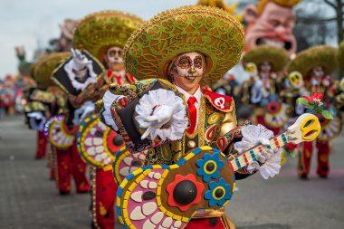 Carnavalsstoet ontleed