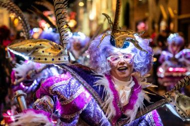 Textiel en kostuums: Hoe maak ik een carnavalskostuum? (lezing)